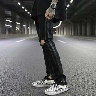 🚚 Black Stripe Knee Rip Black Streetstyle Jeans