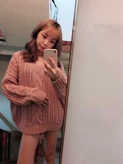 🚚 粉紅色針織毛衣 (材質是舒服的不會刺刺的喔)