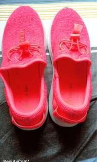 🚚 運動鞋兩雙1280