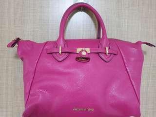🚚 Samantha Vega Hot Pink Bag