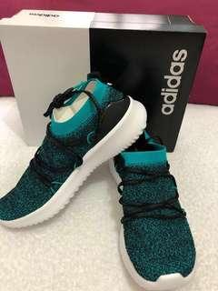 🚚 Adidas Ultimamotion Sneakers US 6.5