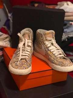 Nike 圖案波鞋