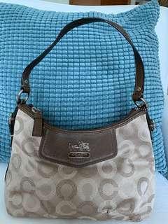 🚚 Coach shoulder bag