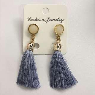 🚚 *BNIP* Blue Tassel Earrings