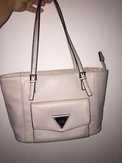 Guess Bag 100% Ori (baru dipakai beberapa kali saja)