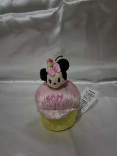 Disney Tsum Tsum 2017 Scented Birthday Cupcake with Micro Minnie Mouse