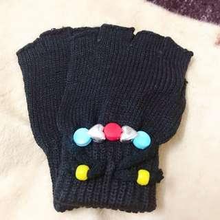 免費贈送 兒童露指串珠手套