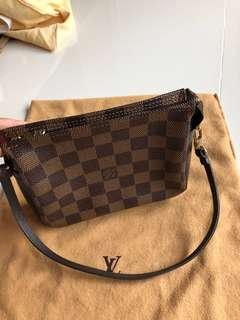 Lv 100% Authentic 95% new come with original dust bag