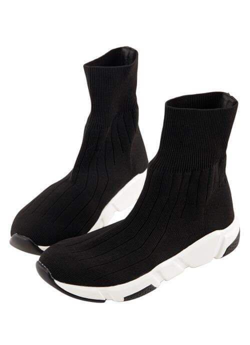 【八成新】彈性針織襪套式休閒