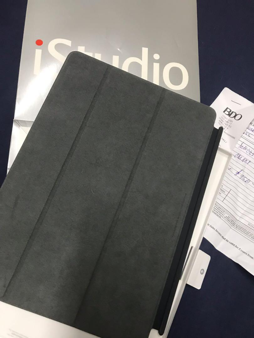 Apple Smart Cover for iPad Pro 10.5 with freebies