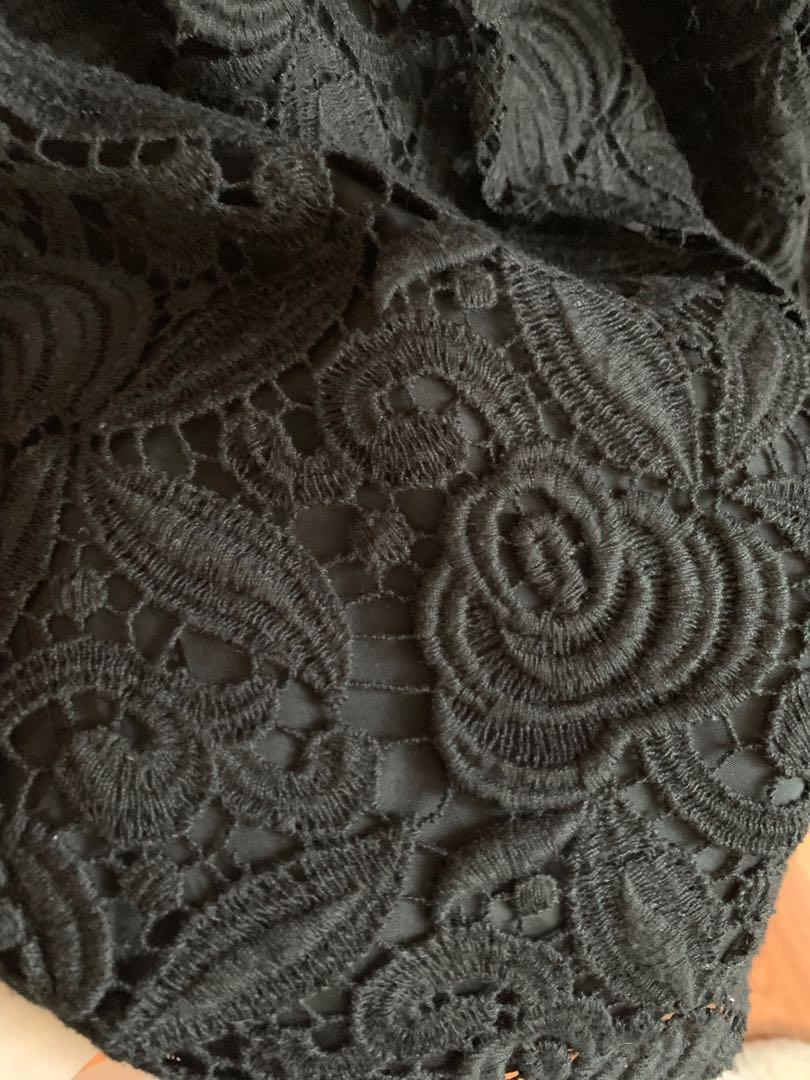 Black w/lace Designer Dress - Max Mara (made in Italy) Size 12