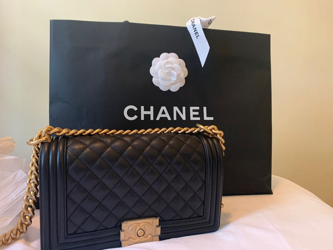 6f89864e1e22 Chanel Boy Medium Caviar GHW, Luxury, Bags & Wallets, Handbags on ...