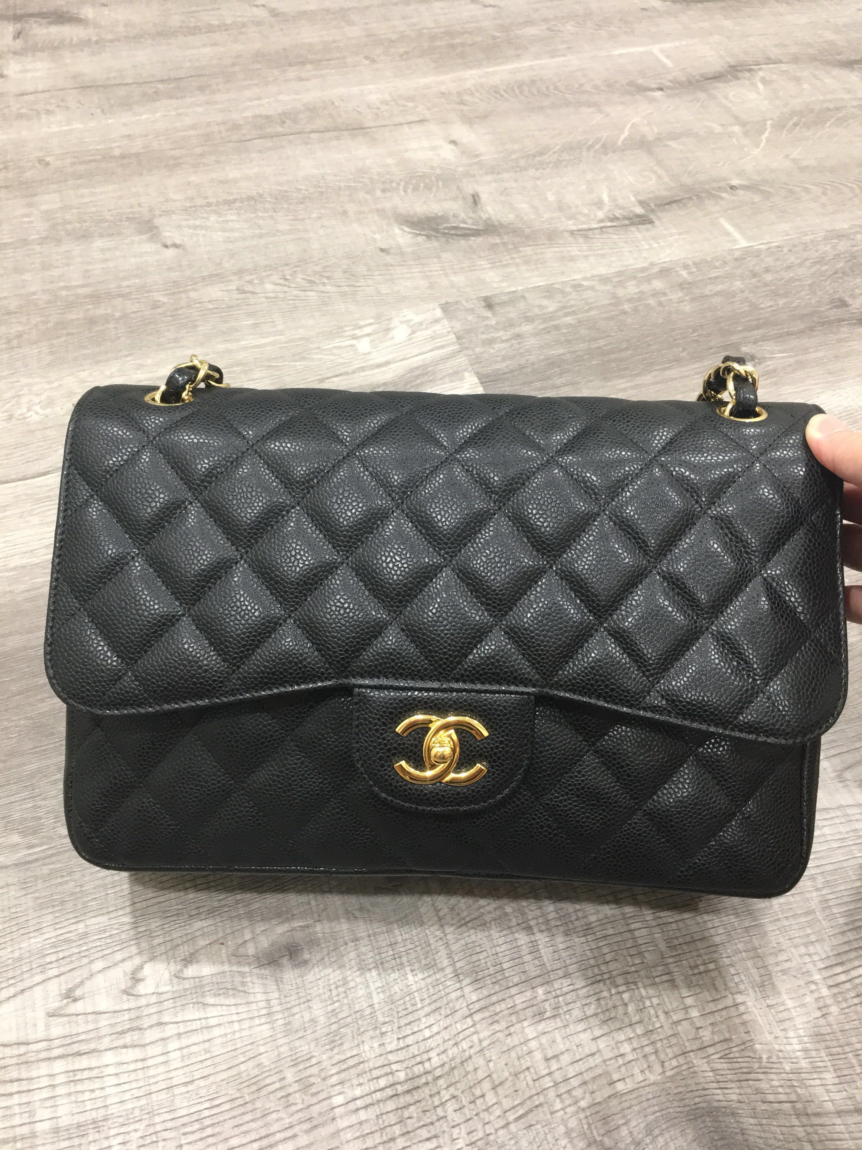 3520fb524 Chanel Classic Jumbo Flap Bag DD4400, Women's Fashion, Bags ...