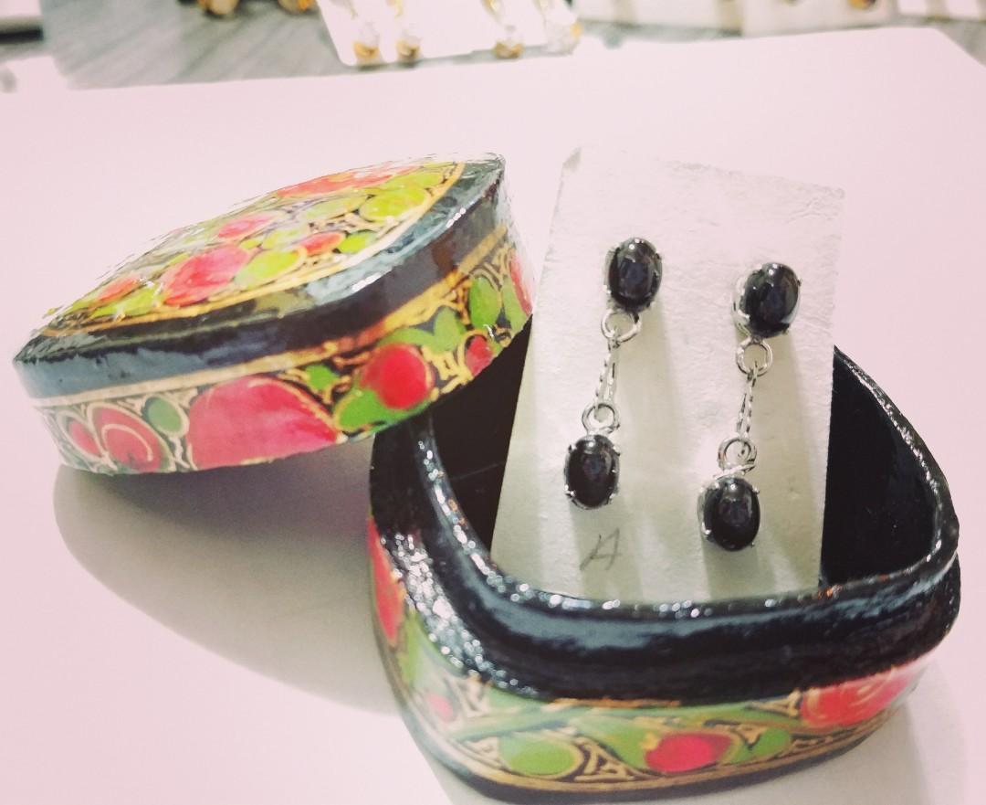 E33 黑晶石耳環