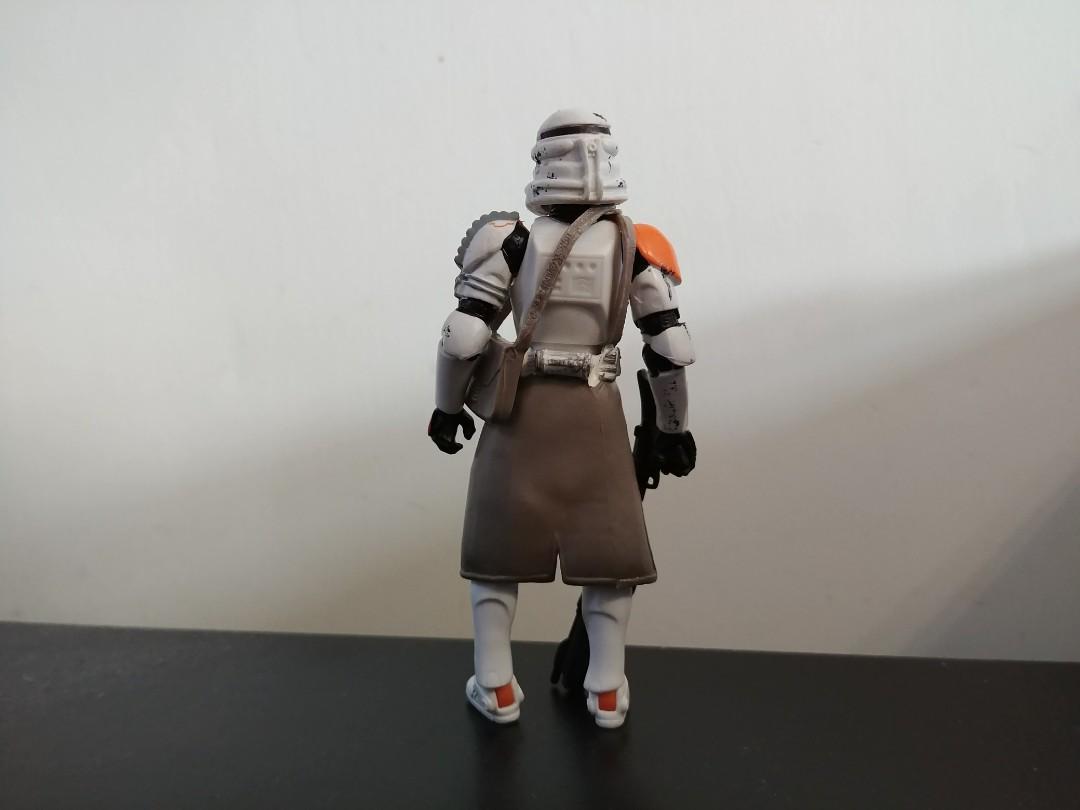 Hasbro Star Wars 3.75 Clone Trooper Airborne Trooper