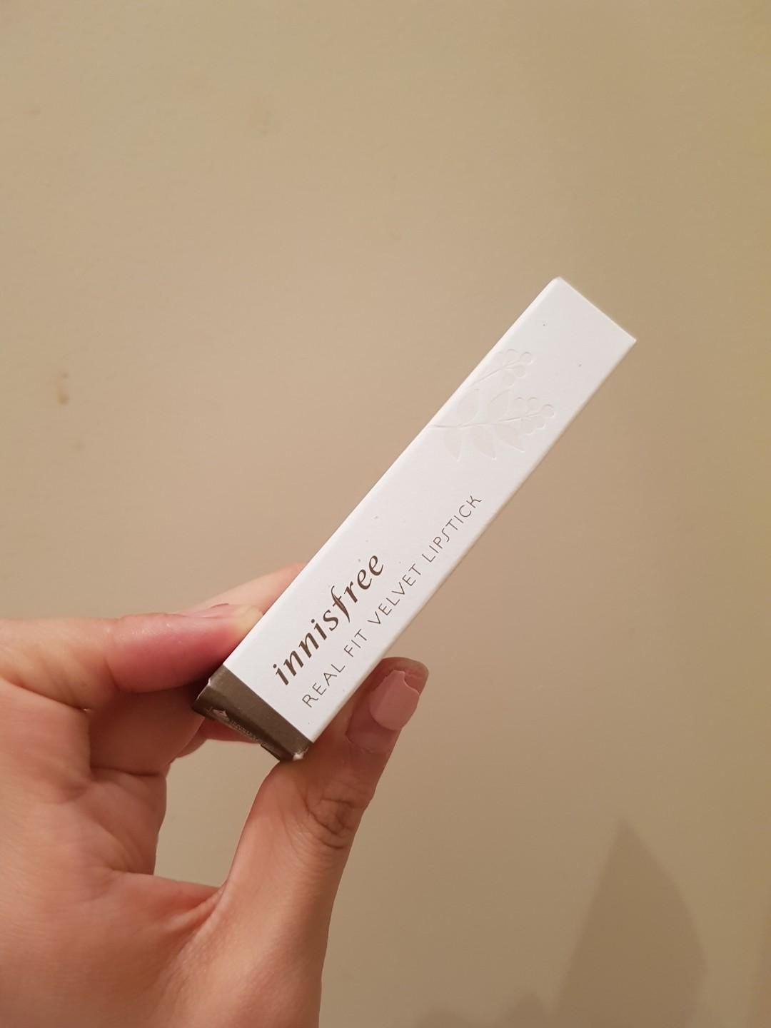 No.13 Innisfree Real Fit Velvet Lipstick