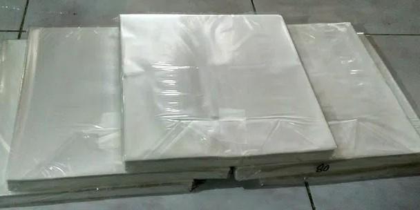 Kertas Nasi Ukuran 25x28cm Berat 1kg Isi 500 Lembar