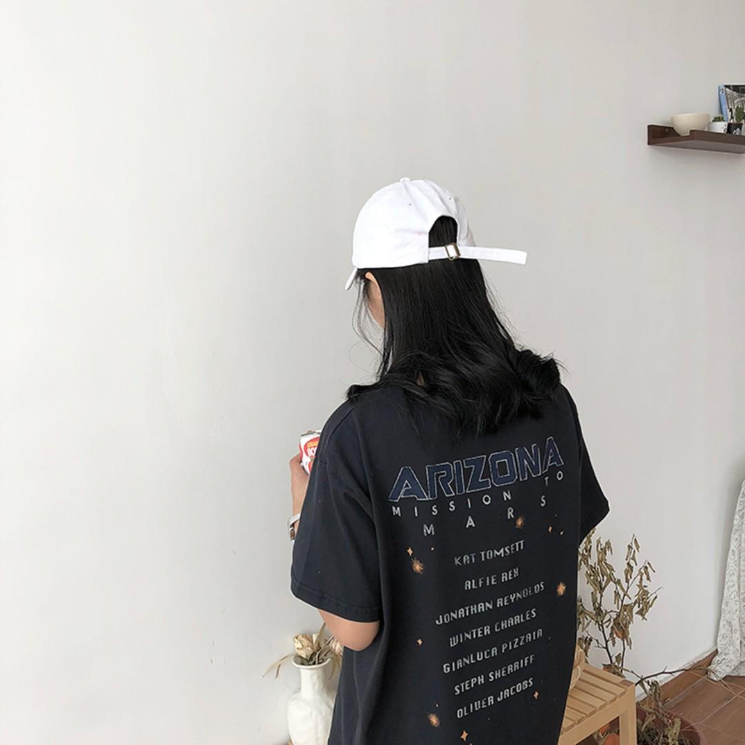 Korean style aesthetic vintage space graphic tshirt