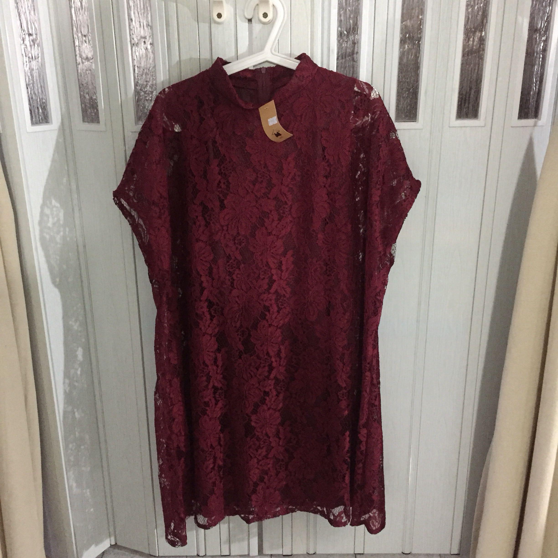 Macadamia Tammy Lace Kaftan Dress in MAROON