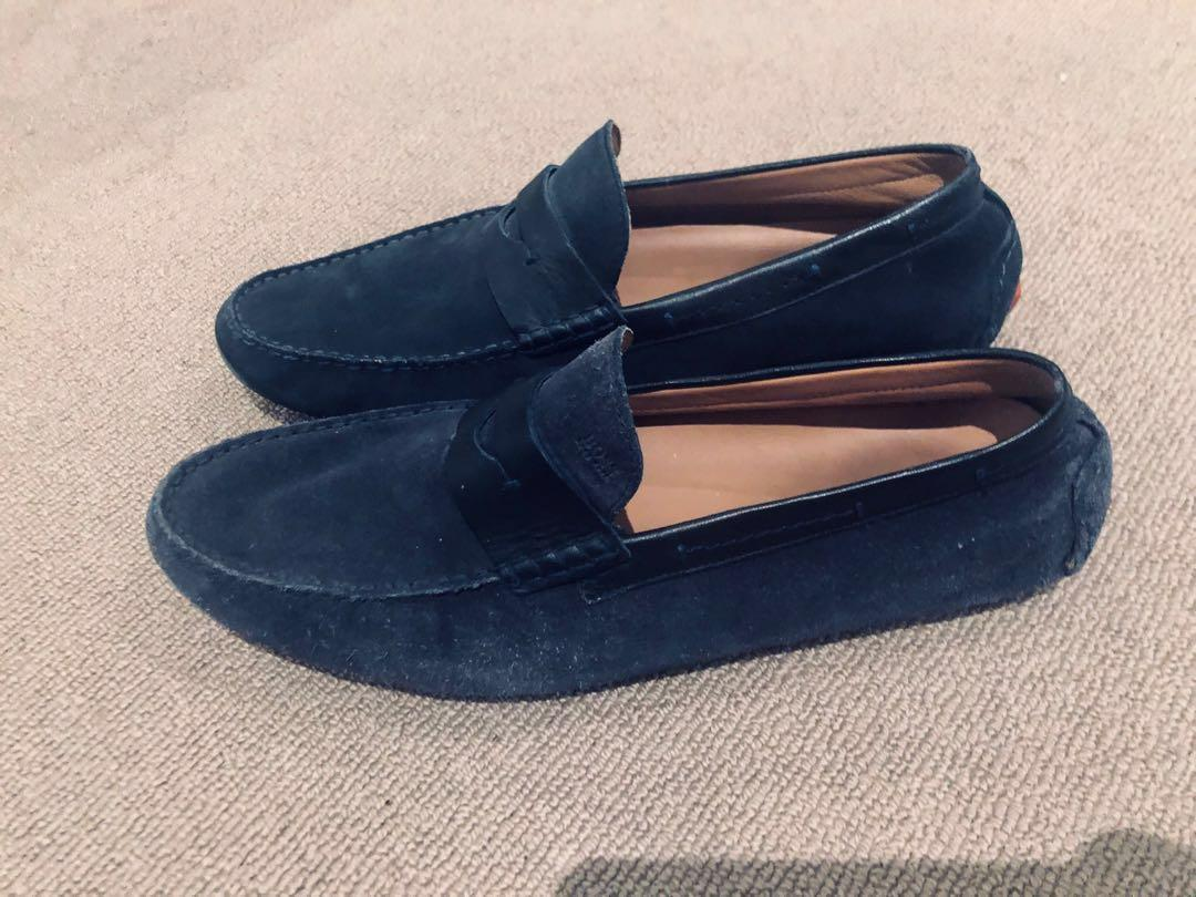 Moccasins in calf suede with penny trim