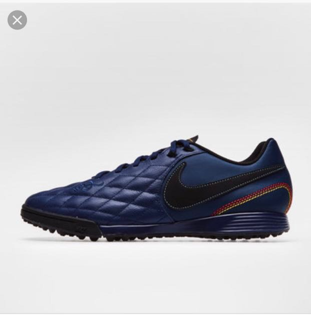 Nike R10 turf shoes, Sports, Sports
