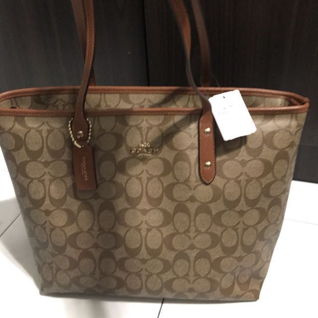 83350dc7a54a2 Reduced price!Original brand new Coach tote bag, Luxury, Bags & Wallets on  Carousell