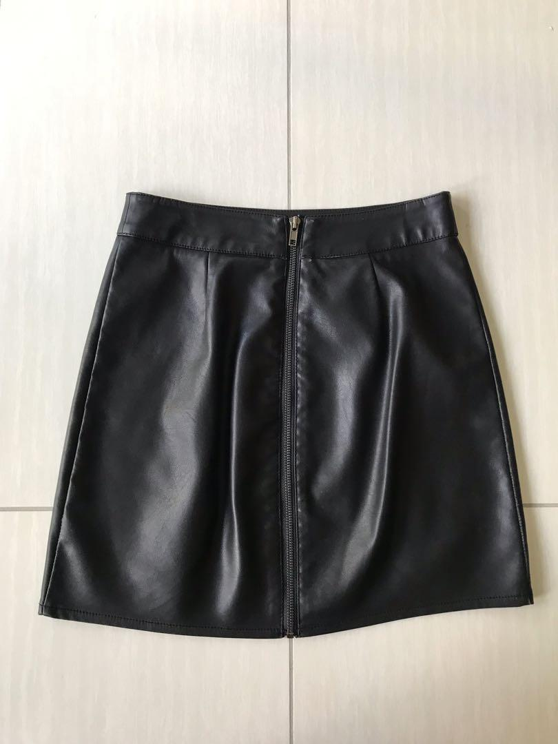 Scallop hem fake leather skirt by Amelius | size XS