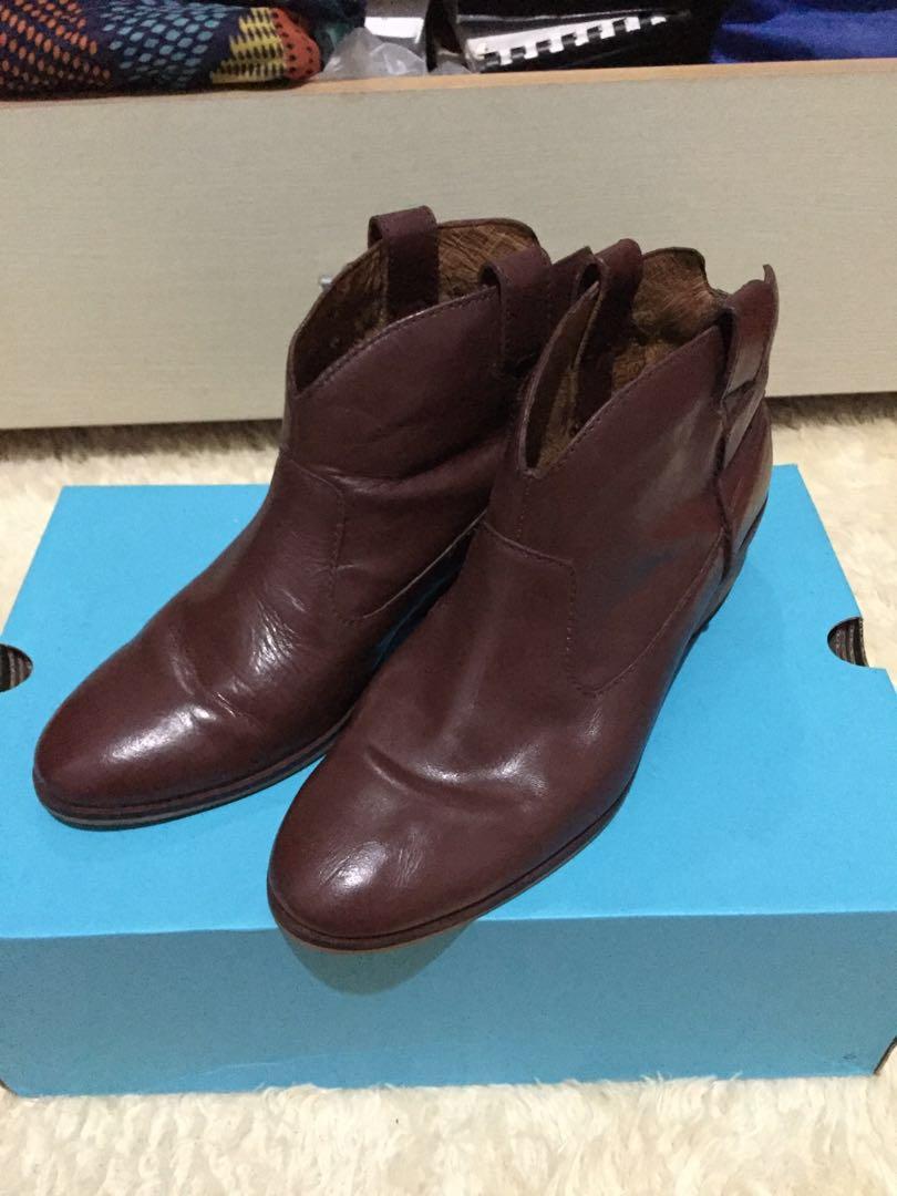 Sepatu Boots Esprit uk 37