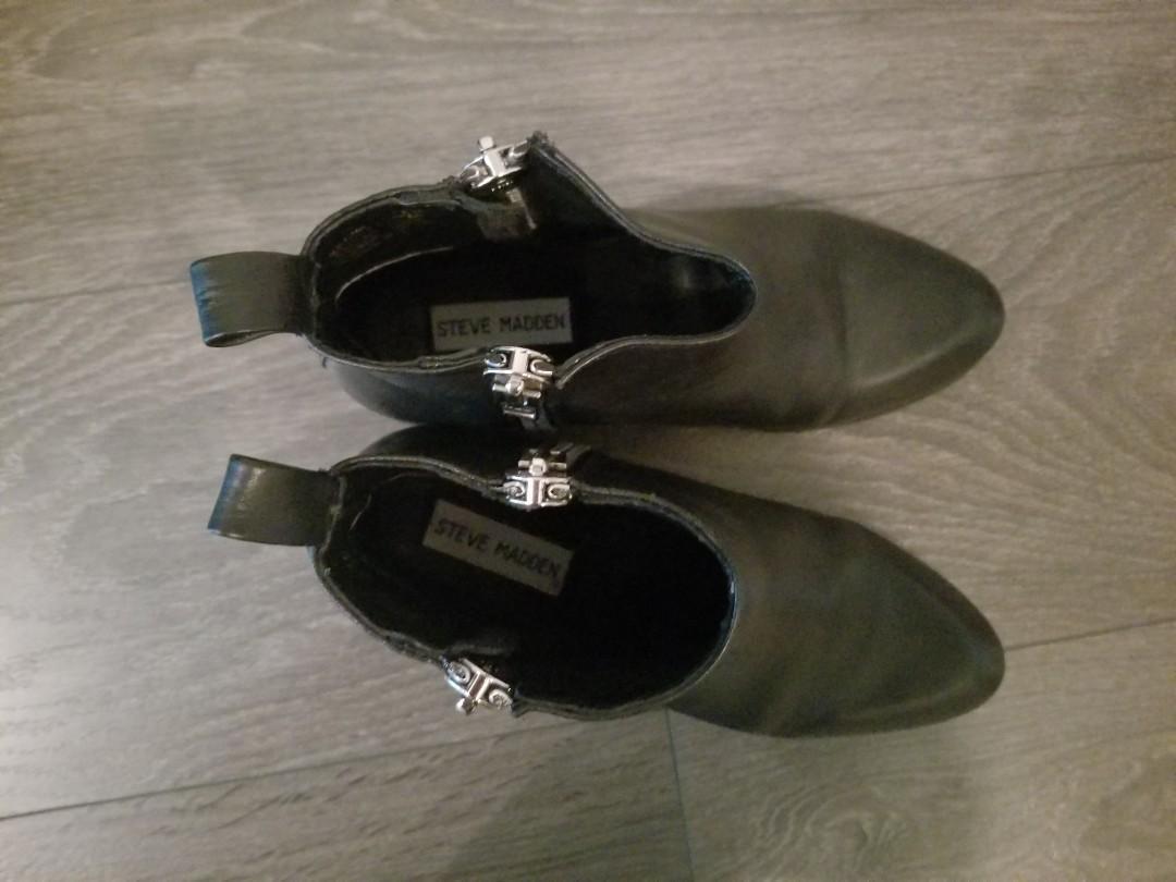 Steve Madden black booties 7.5