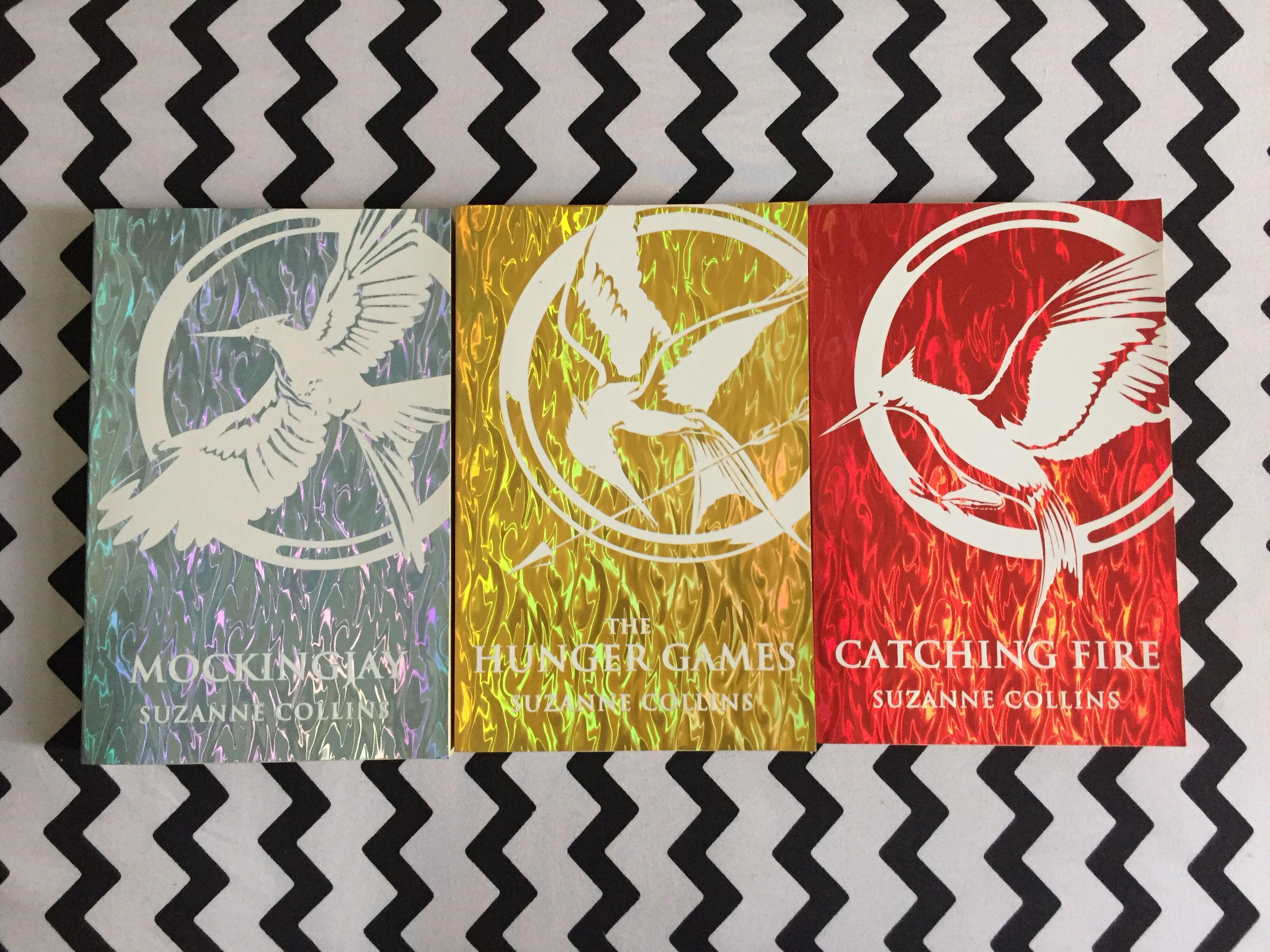 The Hunger Games Trilogy Foil Collection Edition (3 Books Set Pack)