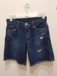 🚚 100%專櫃購入UNIQLO休閒牛仔短褲,100%棉 好穿不刺激肌膚 適合S 市價790元