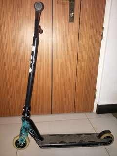 🚚 Stunt scooter