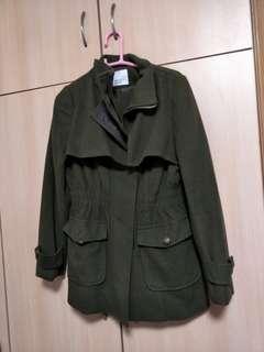 深綠色薄絨外套有帽九成新