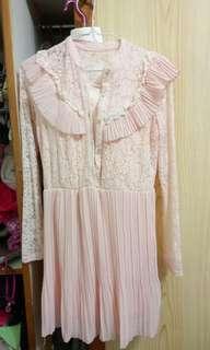 🚚 粉色歐洲風蕾絲雪紡長洋裝