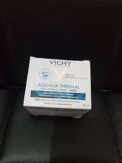 Vichy保濕乳霜