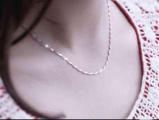 🚚 水波紋頸鏈「單鏈」一條$15 兩條$30才送這凌形墜子。本身是非常過敏體質,不敢戴