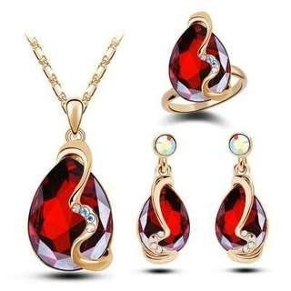 Fashion Crystal Water Drop Jewelry Set - Red