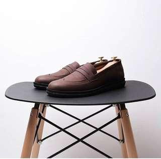 Sepatu pria gatra dark brown