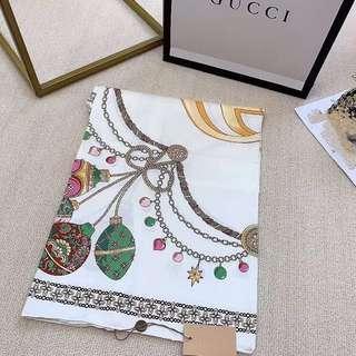 🚚 Gucci scarf