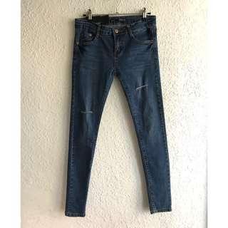 🚚 韓版彈性刀割牛仔褲 刷破顯瘦小直筒貼腿褲