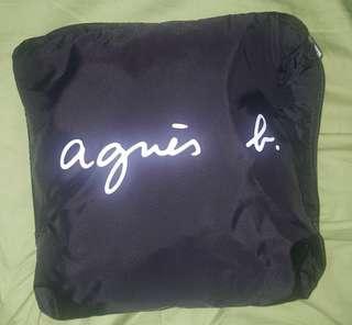 agnis b.超大容量儲物袋。
