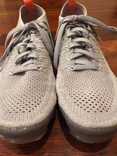 USED Women's Nike Air VaporMax Flyknit 2 Atmosphere Grey/Crimson Pulse 942843-005
