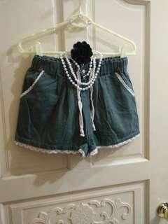 🚚 ORANGEBEAR蕾絲軍綠牛仔褲