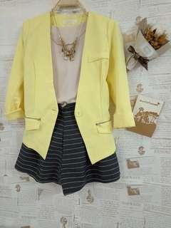 🚚 全新💖韓國西裝外套+米色上衣