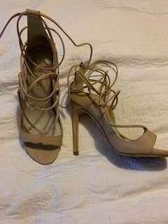 Lipstik Beige Strappy Shoes