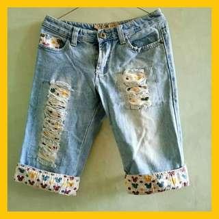 Celana jeans 3/4 mickey mouse