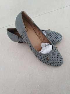 BN Soft and anti slippery heel shoe