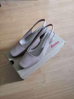 🚚 $20! Bata dusty pink heels shoes