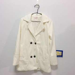 🚚 二手 白色 排扣外套 #半價衣服市集
