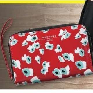 包順豐櫃 MaxMara 花花紅色型格旅行銀包 有拉鏈口袋、證件、機票、信用卡等旅遊必備品可全放在一袋之中 全新